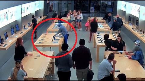 Apple Store in the United States was stolen and asked, a series of more than 600 million Macs lost in less than 30 seconds - Photo 2.