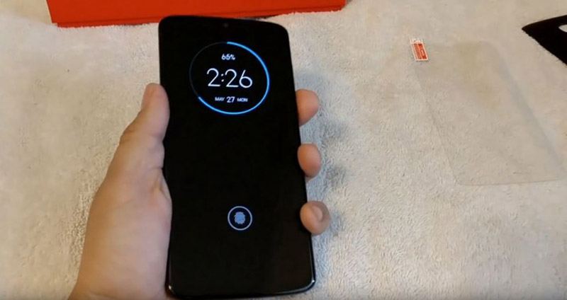 Sforum - Latest technology information page Moto-Z4-lo-video-2 Not yet released, Motorola Moto Z4 has appeared in the actual video on hand