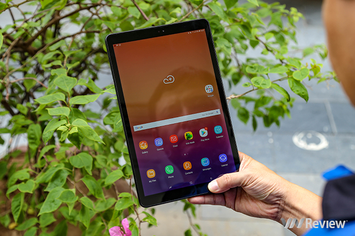 Quick review Samsung Galaxy Tab A (2018) 10.5: 4 external speakers sound quality very suitable for watching movies - VnReview