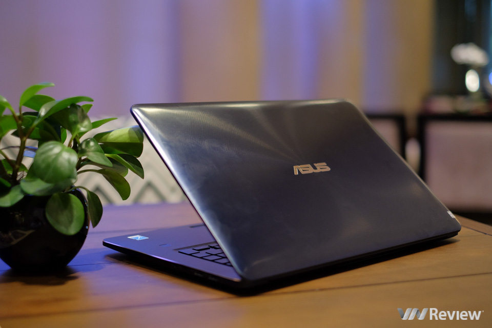 Review Asus Zenbook Pro UX580: Two screens, is it twice as good? - VnReview