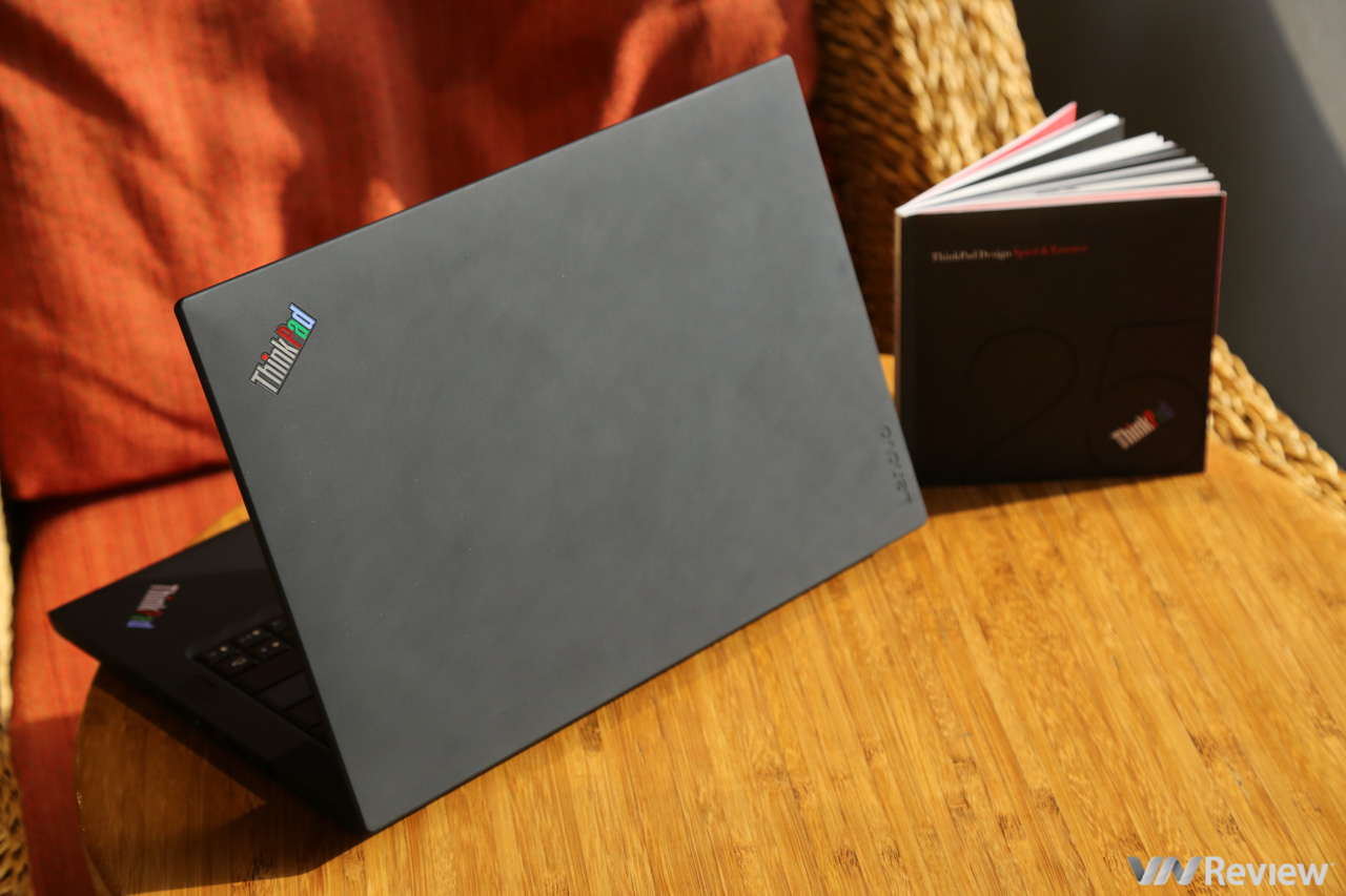 Review Lenovo ThinkPad 25: meaningful gift for loyal fans - VnReview