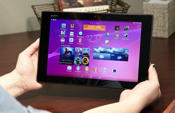 With a beautiful screen, long battery life and dust / water protection and luxurious design, the Xperia Z2 Tablet is actually one of the most desirable Android tablet models today.