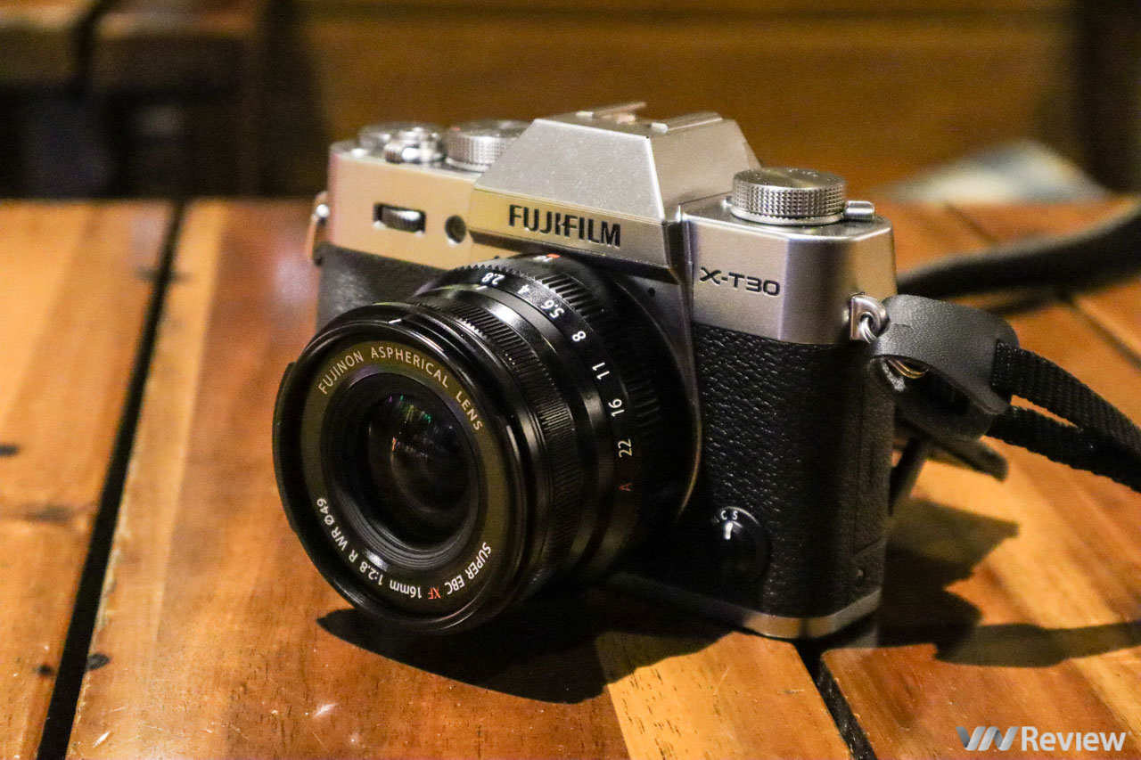 Review of Fujifilm X-T30: overcome the inherent weakness of Fujifilm - VnReview