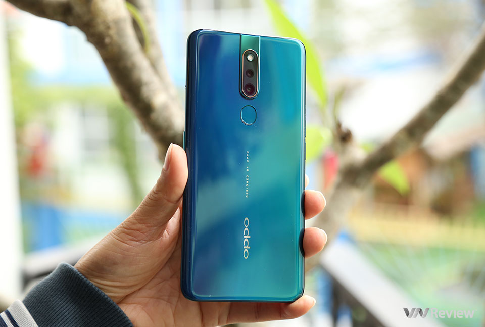 Review the 48MP camera details and Oppo F11 Pro - VnReview's selfie camera