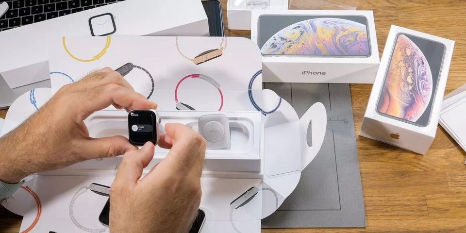 Sforum - Latest technology information page Apple-Watch-shipments-960x480 Apple Watch Series 4 is the best-selling wearable device in 2018