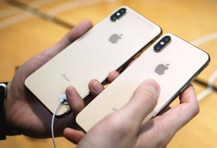 Counterpoint: Apple is gradually losing its position on the high-end smartphone segment - VnReview