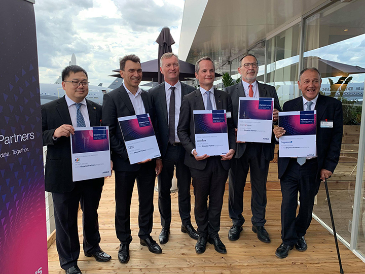 FPT became Airbus' VnReview's global number conversion partner