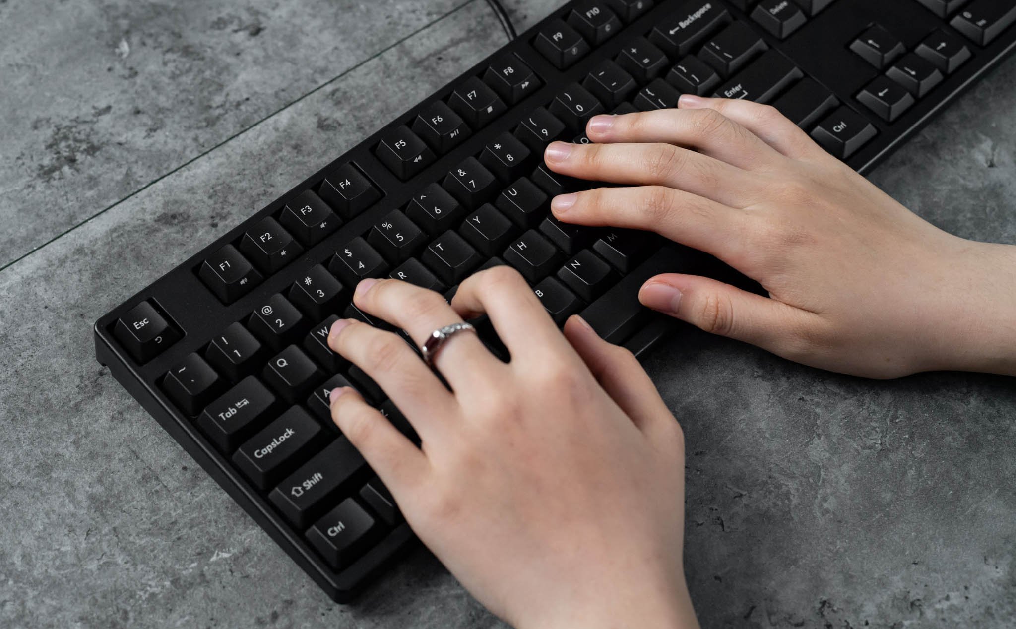 """Filco Majestouch Stingray on hand: """"office"""" mechanical keyboard with Cherry MX Low-Profile switch, 3.85tr"""