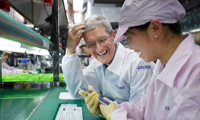 Foxconn is ready to support Apple, move the iPhone assembly plant out of China if necessary - Photo 1.