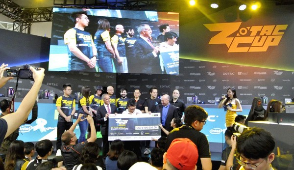 Having the same mind as Zotac, organizing a tournament worth 2.3 billion VND to charity around the world - Photo 1.