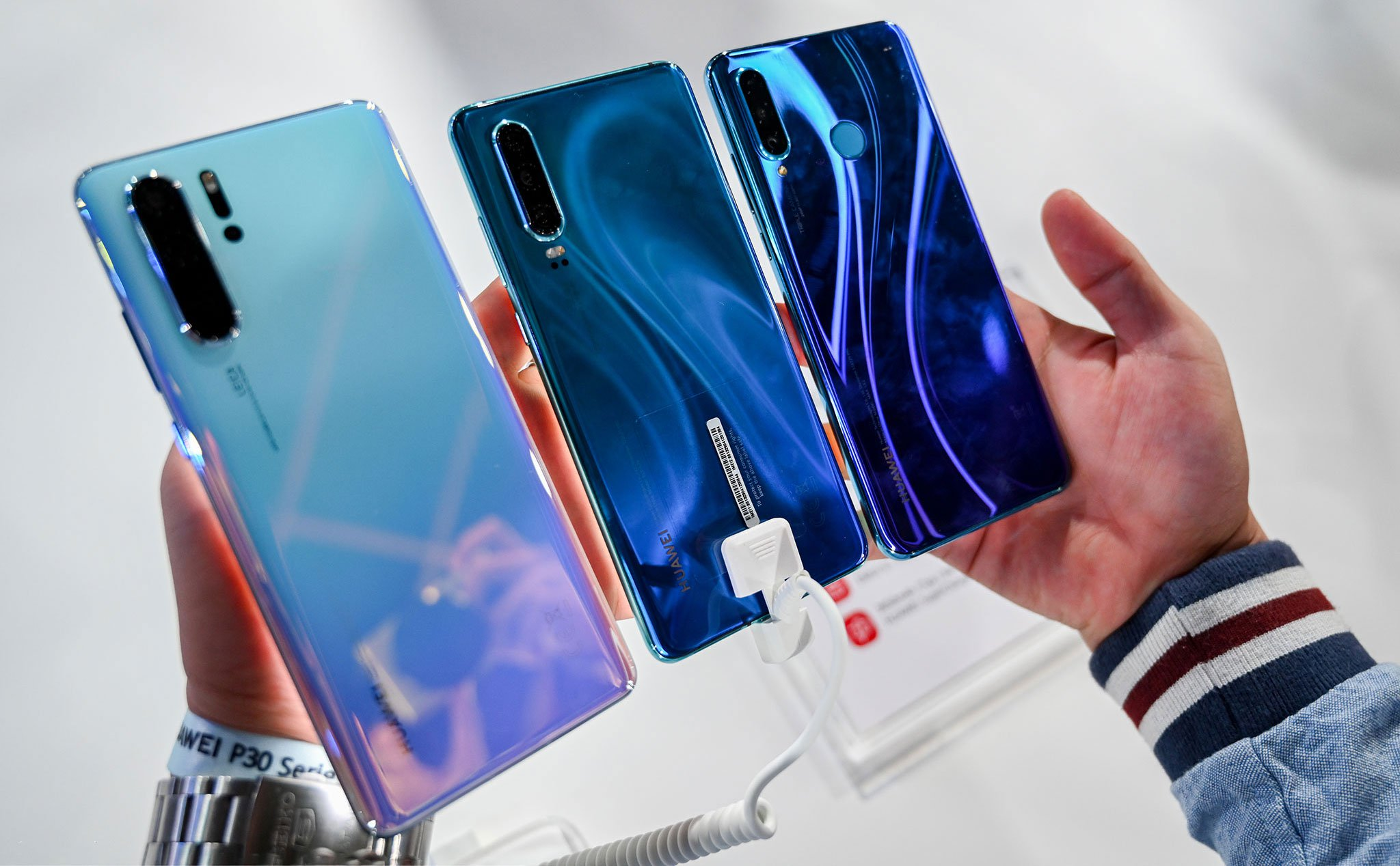 Huawei announced that it will update 17 smartphones to Android Q, most of which are new