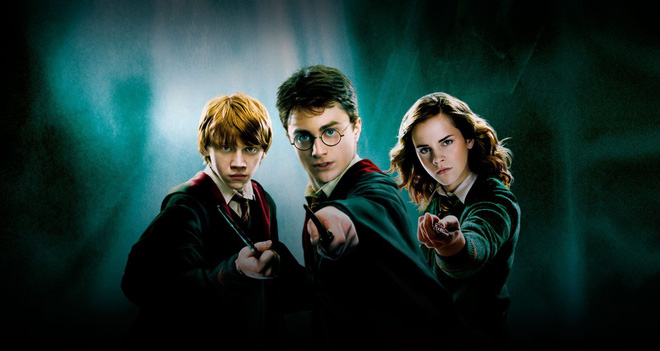 J. K. Rowling is coming back with four brand new books about the Harry Potter magic world! - Photo 1.