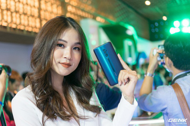 Oppo Reno shark fin launched in Vietnam, Snapdragon 855, orange 48MP, zoom 10x, price 21 million - Photo 1.