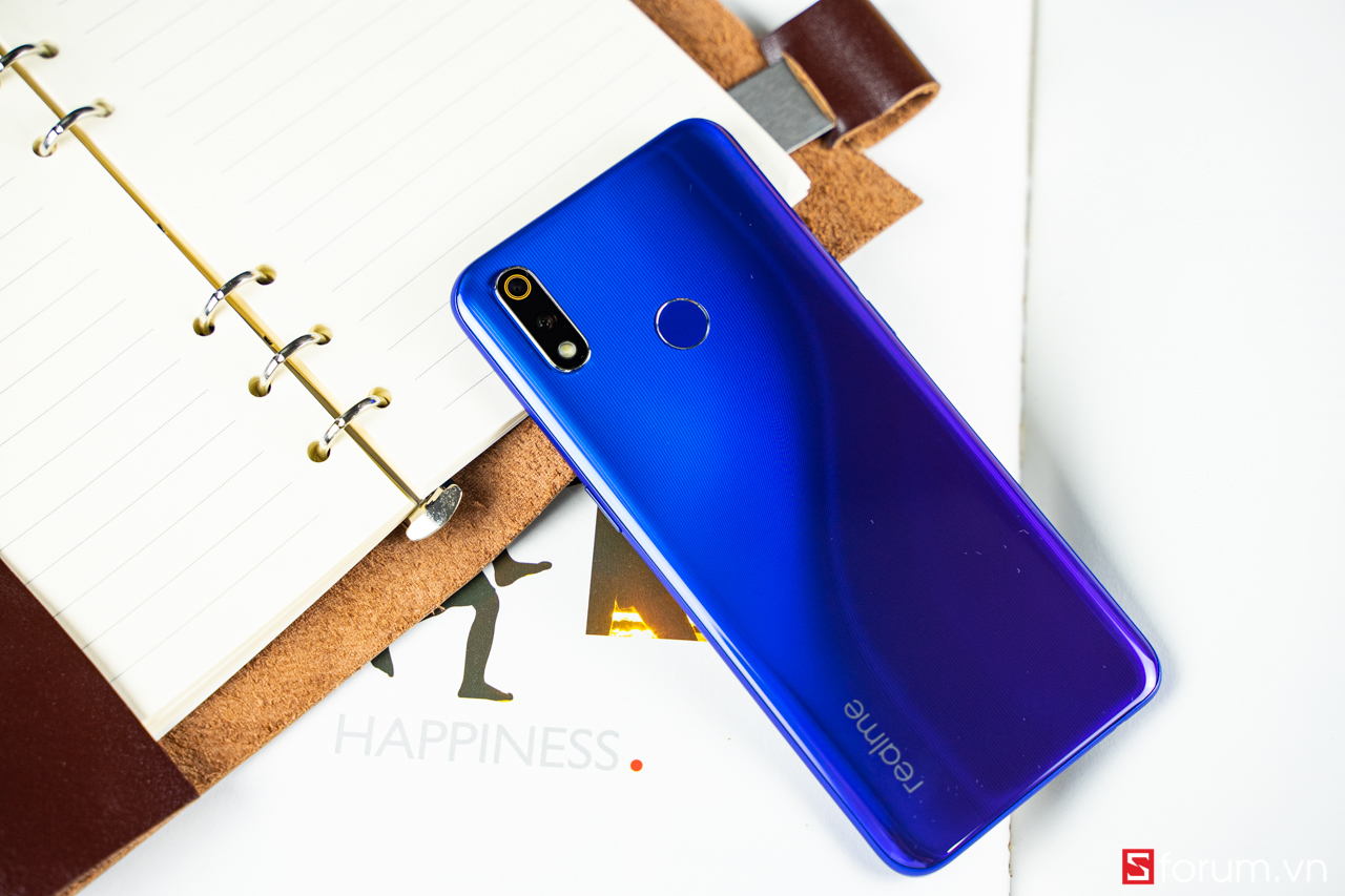 Sforum - Latest technology information page DSC0131 Realme 3 Pro powerful performance, fashion design, coming up on CellphoneS with very attractive price