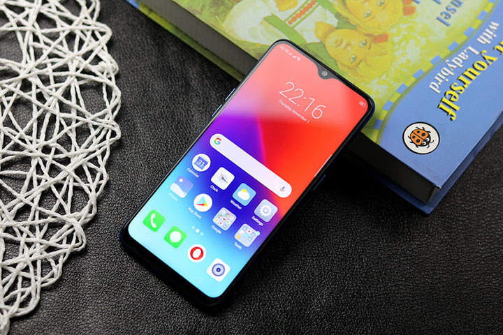 Reviewing the designs has become a trend on smartphones over the past 3 years - VnReview