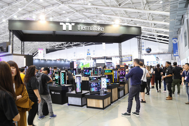This is the booth with the most beautiful Computex computers - Photo 1.