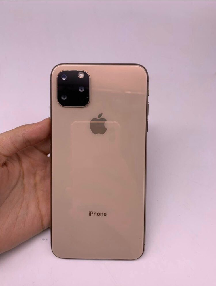 Sforum - Latest technology information page iPhonexi-3 Video on hand iPhone XI suddenly appeared with 3 different colors ???