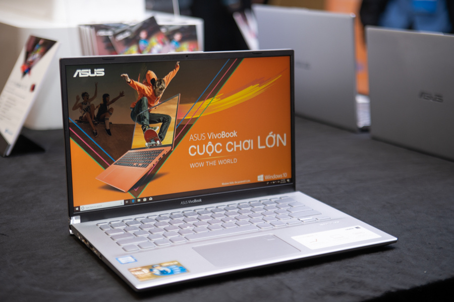 Sforum - Latest vivobook-14-15-1 technology information page VivoBook 14/15: The ultrabook duo has smart design, light weight, strong with SSD, comes at a price of only 11.9 million