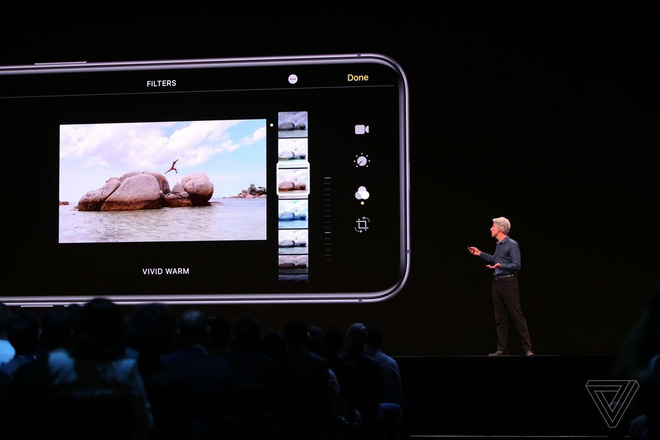iOS 13 will allow you to rotate the recorded video without an external application - Photo 1.