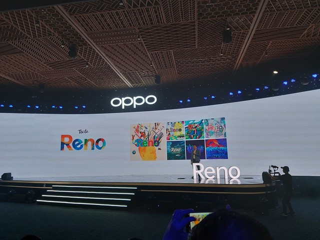 OPPO Reno Reviewer: impressed with the unique shark fin camera design, one of the most beautiful displays in the price range - Photo 1.