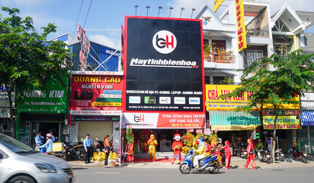 Add a shopping address, comfortable game gear for gamers in Binh Duong - Photo 1.