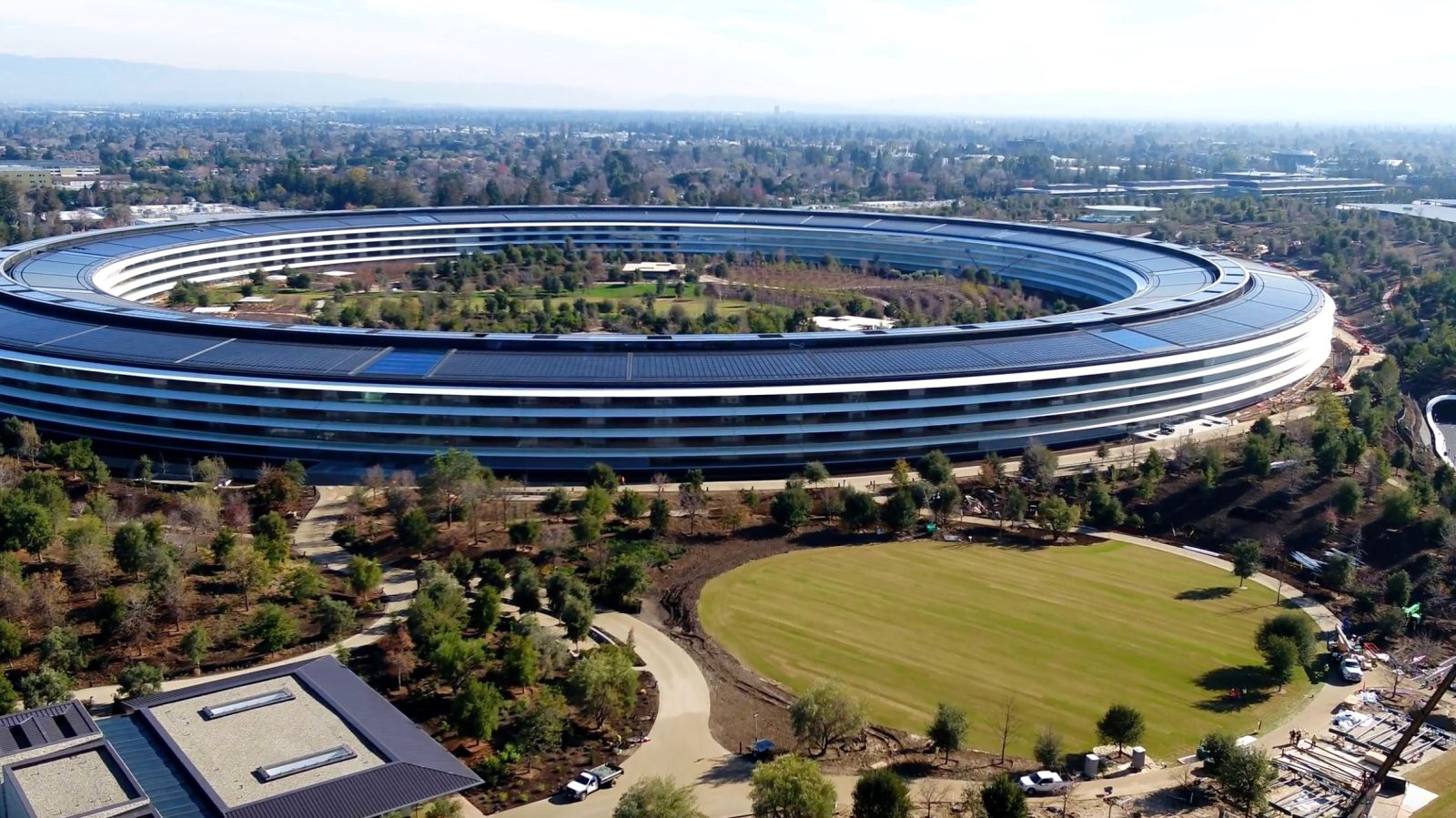 Sforum - The latest technology information page apple-park Apple Park is one of the most expensive buildings in the world when it reaches a value of up to $ 4.17 billion.