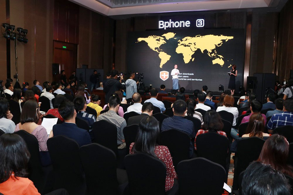 Bkav's Bphone 3 smartphone is officially sold at 100 stores in Myanmar Bkav officially launched Bphone 3 in Myanmar Bkav brings Bphone to conquer Myanmar market