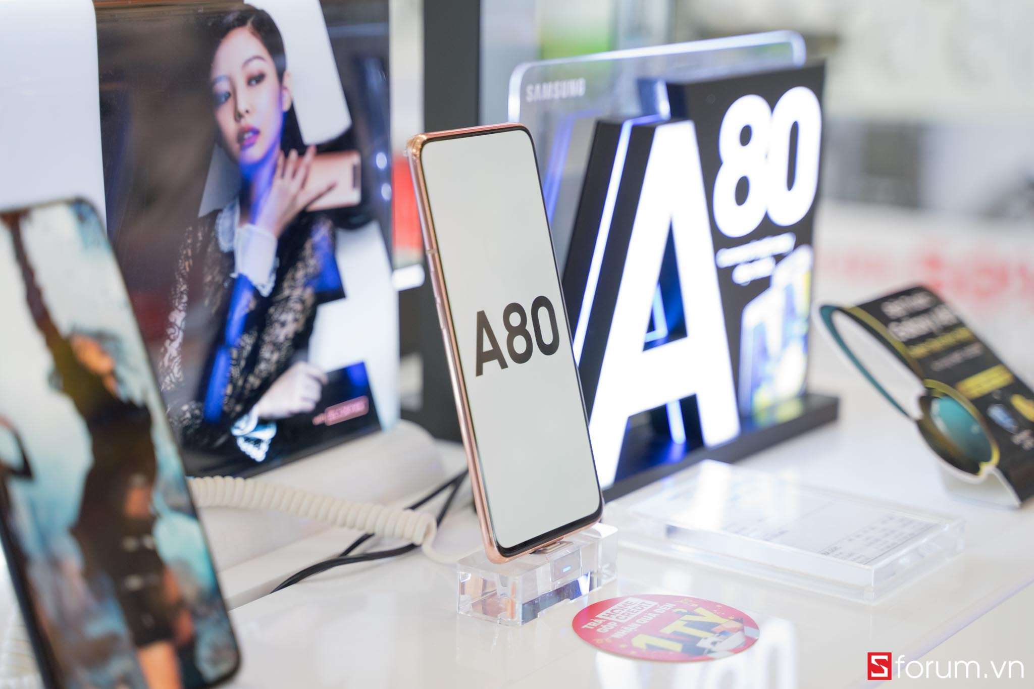 Sforum - Latest technology information page samsung-galaxy-a80-1-of-8 Galaxy A80 has been on display at CellphoneS, inviting you to experience products