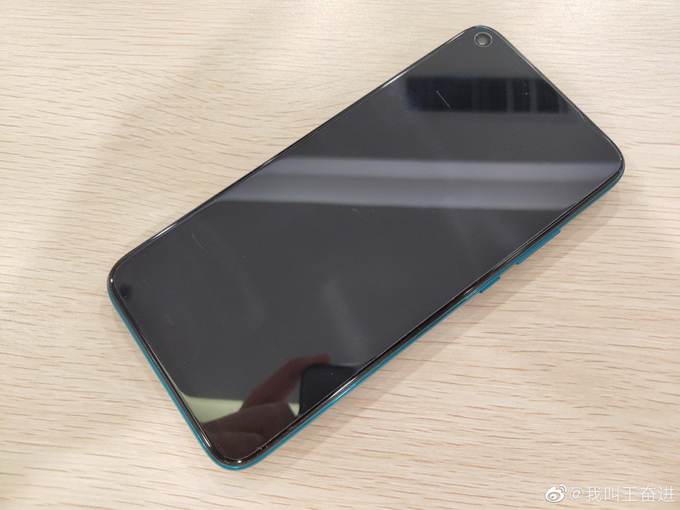Sforum - Latest technology information page Huawei-Mate-30-Lite-lo-anh-thuc-te-1 Huawei Mate 30 Lite shows real photos with perforated screens and 4 rear-view cameras