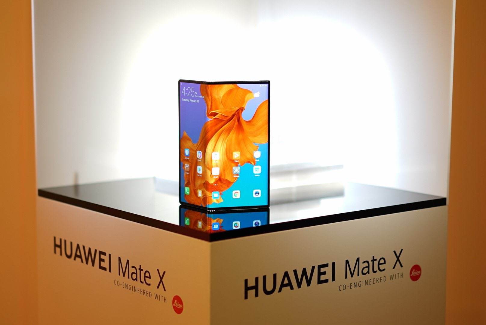Sforum - The latest technology information site Huawei-Mate-X-offical Huawei Mate X is certified in China, ready for sale?