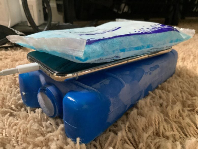 Make iPhone run fast with cold stones - Photo 1.