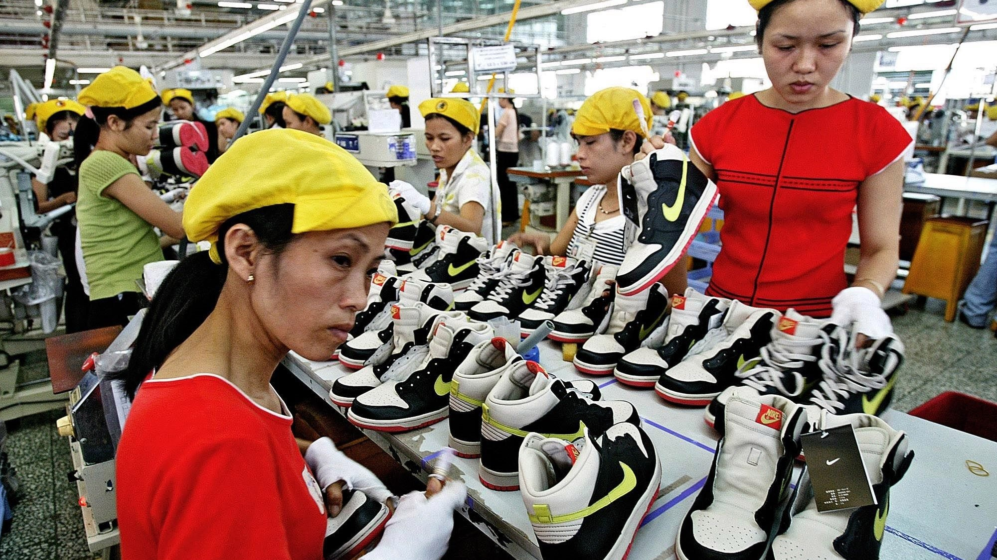 Nike, Adidas, GAP and H&M worry about high processing fees when massive technology giants enter Vietnam - VnReview