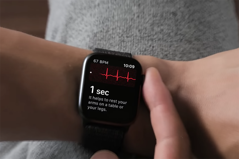 Sforum - Latest technology information page Apple-Watch-cuu-nguoi-1 Adding a person who has just been saved by Apple Watch