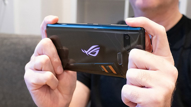 Smartphone gaming Asus ROG Phone 2 will have the ultimate power with the new Snapdragon 855 Plus chip - Photo 1.