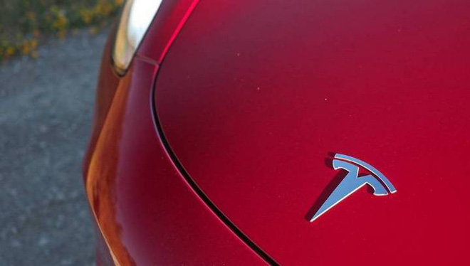Sorry Panasonic, Tesla is making batteries for its electric cars - Photo 1.