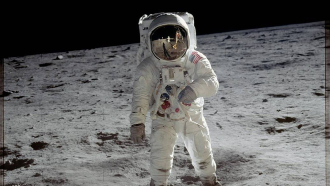 The man bought the first film mistakenly shot on the Moon for $ 218 about to become rich - Photo 1.