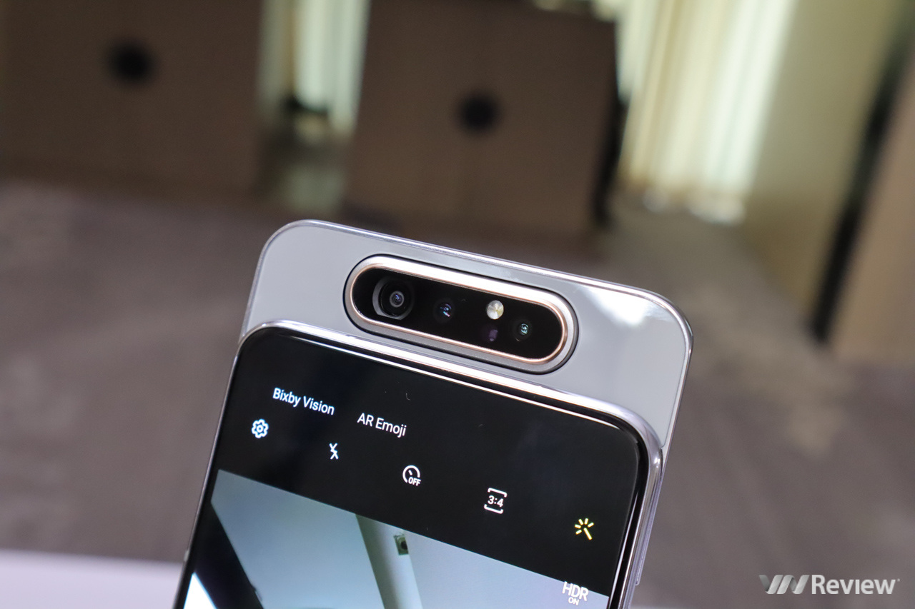 The price difference is negligible, so buy Galaxy A80, S10e or S9 +? - VnReview