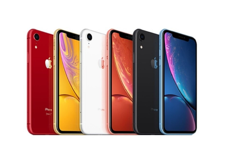 A tariff on smartphones could raise the price of the iPhone XR by $160 - Trump says Apple will soon announce plans to build a new factory in Texas