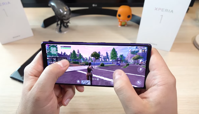Try playing games on the ultra-long 21: 9 screen of Sony Xperia 1 - Photo 1.