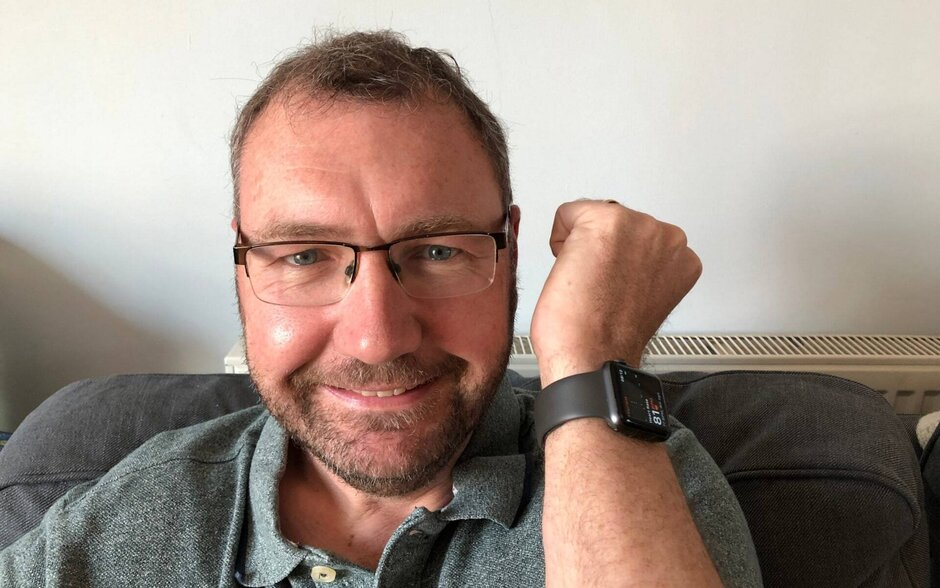 Paul Hutton and the Apple Watch that saved his life - Unusual reading on the Apple Watch saves a man