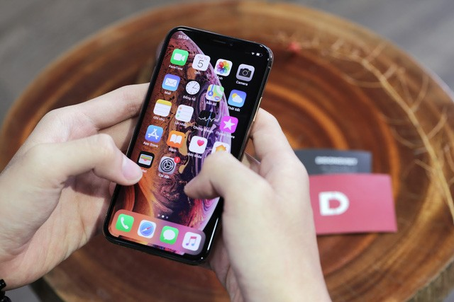 IPhone 8 Plus and iPhone X users reduced to VND 12 million when buying iPhone Xs, Xs Max, 0% interest installment installments in Vietnamese Mobile - Photo 1.