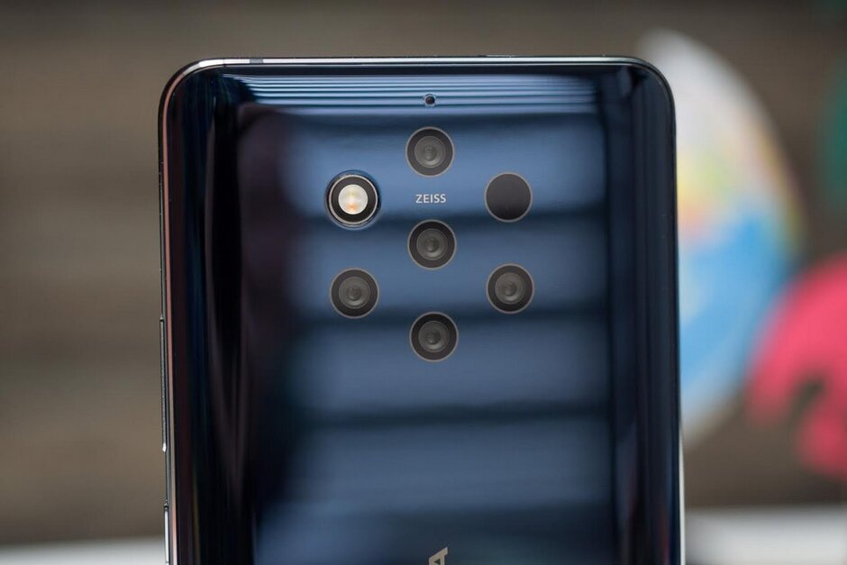 The penta-camera setup on the Nokia 9 PureView - With activation, the Nokia 9 PureView is cheaper now than on Prime Day