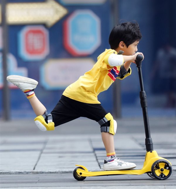 Xiaomi launches scooter for children, folds easily, designs against falls, costs 837 thousand - Photo 1.