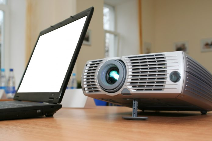 connect macbook to projector
