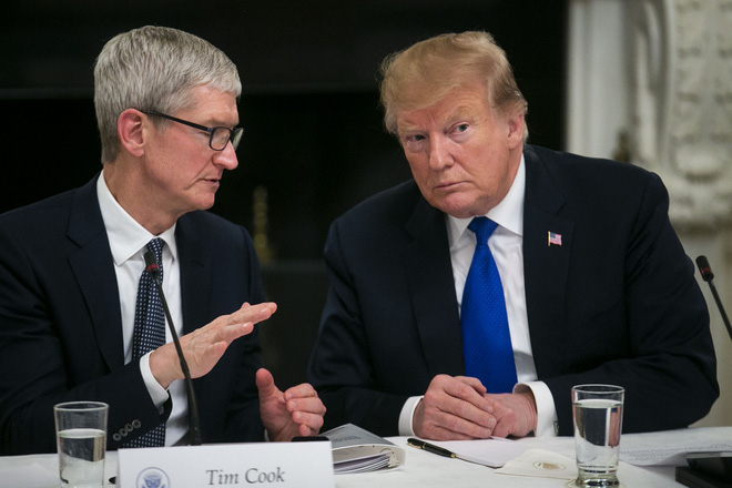 Tim Cook is worried that Apple will not fight with Samsung if it is imposed a 10% tax rate - Photo 1.