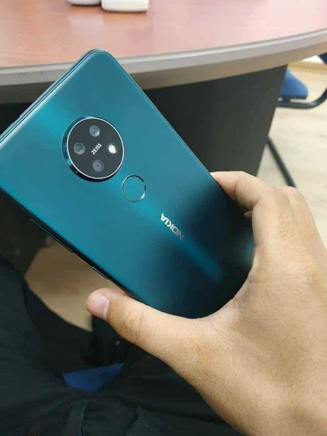 Sforum - Latest technology information page 1-25 This is Nokia 7.2 version of Forest Green revealed by Vietnamese people