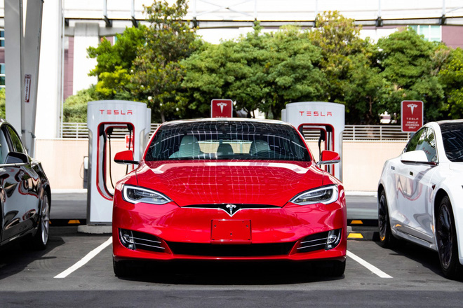 New scientific report shows that Tesla is about to launch electric vehicle battery technology that operates for 1,609,344 km before failing - Picture 1.