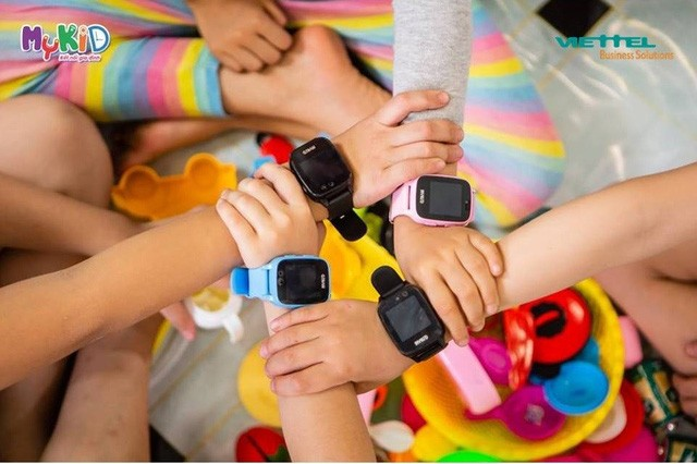 Parents' worries when equipping a smart watch for children - Photo 1.