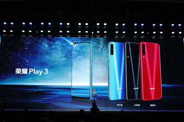 Honor Play 3 launched: Perforated screen, 3 rear cameras, 48MP sensor, Kirin 710F chip, 4,000 mAh battery, price from only 140 USD - Photo 1.