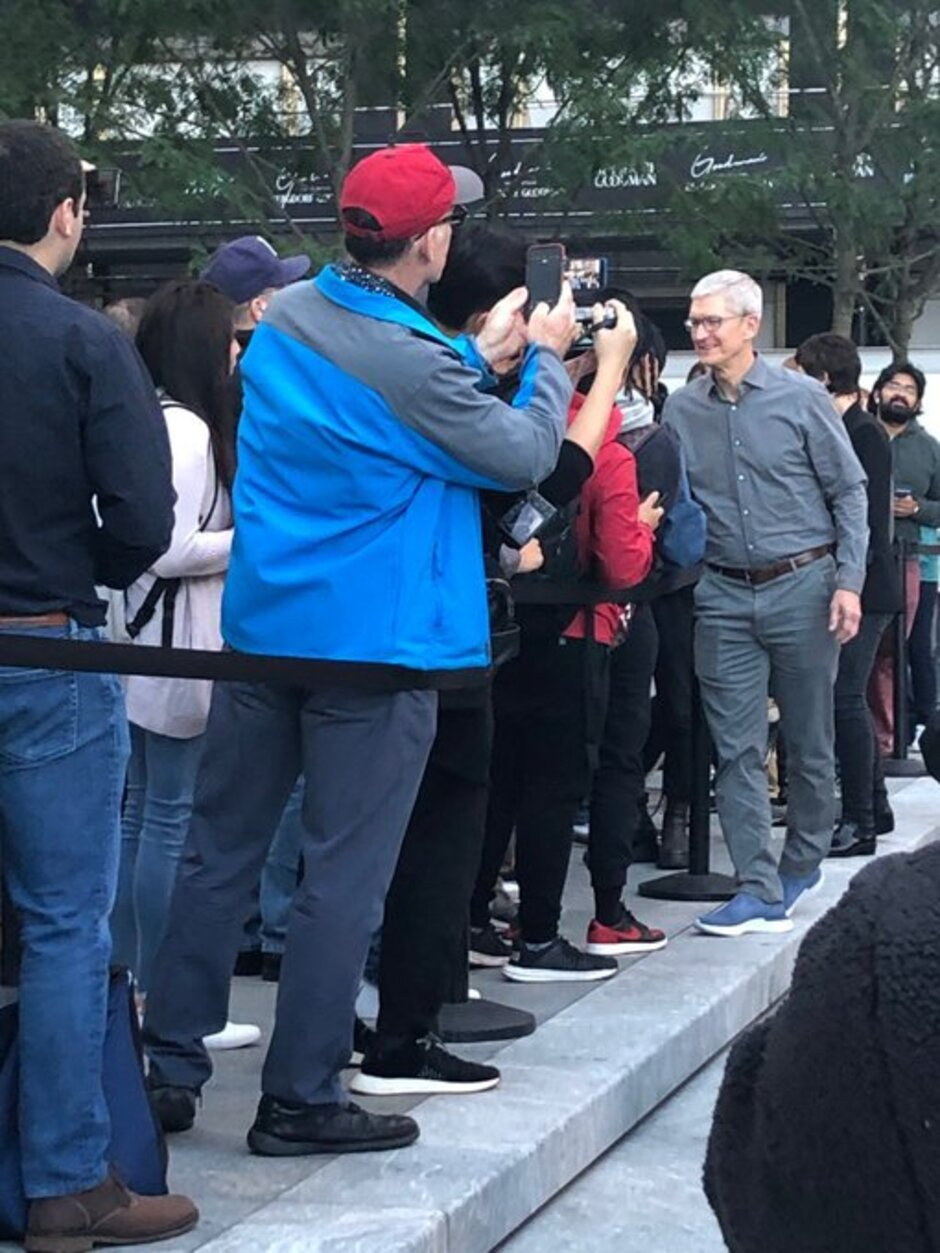 Tim Cook greets the crowd outside the re-opened Fifth Avenue Apple Store in New York - The 2019 Apple iPhones launch creating smaller lines outside Apple Stores worldwide